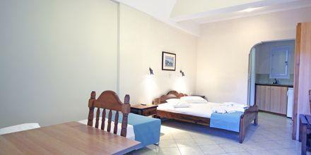 Enrumslägenhet på hotell Joanna på Santorini i Grekland.