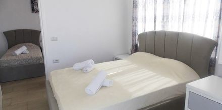 Familjerum på hotell Joni i Saranda, Albanien.
