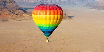 Ballongfärd över Wadi Rum.