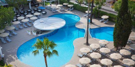 Poolområdet på hotell JS Sol de Alcudia, Mallorca.