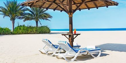 Stranden vid Habtoor Grand Beach Resort & Spa i Dubai Jumeirah Beach.