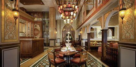 Restaurang Lalezar på hotell Jumeirah Zabeel Saray på Dubai Palm Jumeirah, Förenade Arabemiraten.
