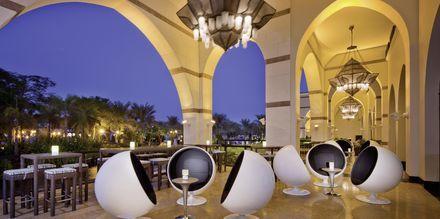 Voda Bar på hotell Jumeirah Zabeel Saray på Dubai Palm Jumeirah, Förenade Arabemiraten.