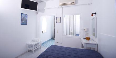 Enrumslägenhet på Hotell Kafieris Blue på Santorini, Grekland.