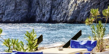 Lunchrestaurang i Kamari på Santorini, Grekland.