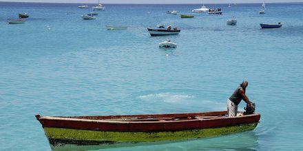 Fiskare i Santa Marias hamn, Kap Verde.