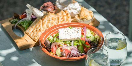 Grekiska rätter är ett måste på semestern.