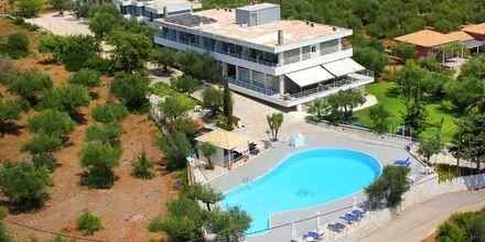 Kardamili Beach Hotel i Kardamili, Grekland.