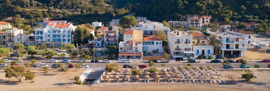 Stranden i Karlovassi på Samos, Grekland.