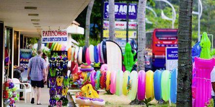 Shoppinggata i Karon Beach, Phuket.