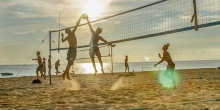 Beach volley på Karon Beach.