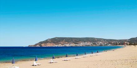 Stranden i Karpathos stad.