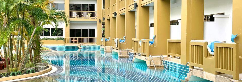 Kata Sea Breeze Resort i Kata, Phuket, Thailand.