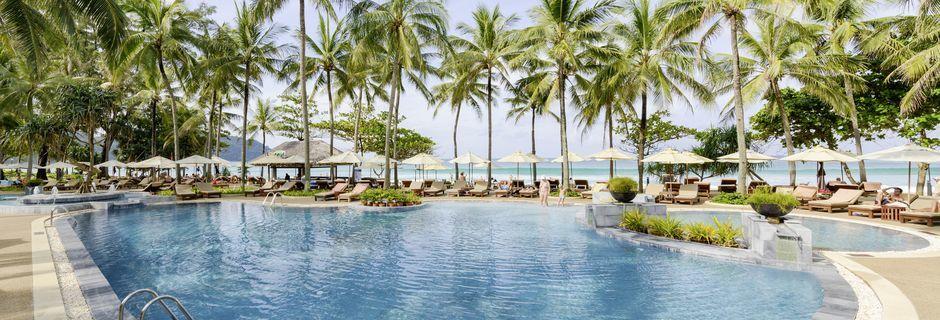 Apollos hotell Katathani Phuket Beach Resort & Spa i Kata Noi Beach.