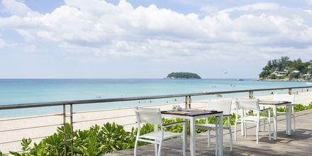 Apollos hotell Katathani Phuket Beach Resort & Spa ligger vid Kata Noi Beach.