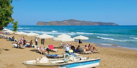 Sköna dagar på stranden i Kato stalos på Kreta, Grekland.