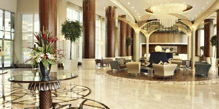 Lobbyn på hotell Khalidiya Palace Rayhaan i Abu Dhabi, Förenade Arabemiraten.