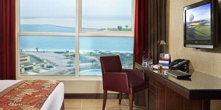 Dubbelrum på hotell Khalidiya Palace Rayhaan i Abu Dhabi.
