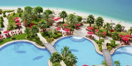 Poolområdet på Khalidiya Palace Rayhaan i Abu Dhabi, Förenade Arabemiraten.