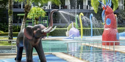 Poolområde på Khaolak Emerald Beach Resort, Thailand.