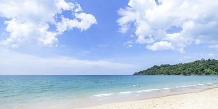 Stranden vid Khaolak Emerald Beach Resort, Thailand.