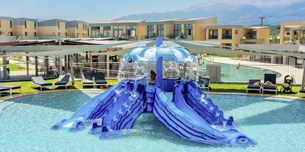 Barnpool på den nya delen av hotell Kiani Beach Resort.