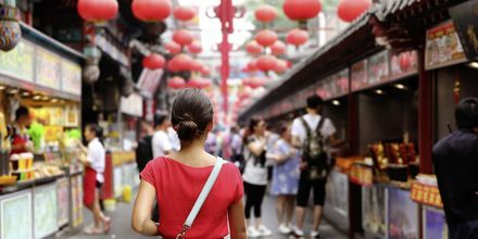 Det kryllar av matmarknader i Kina, där du kan våga dig på någon ny rätt.