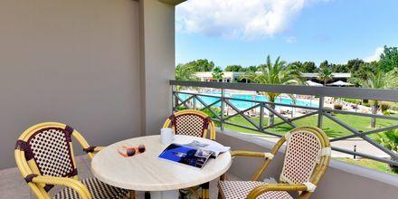 Balkong på hotell Kipriotis Maris Suites i Psalidi på Kos, Grekland.