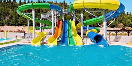 Vattenland (mot avgift) på hotell Kipriotis Panorama Aqualand.