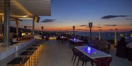 Red Sky Bar på Kipriotis Panorama & Suites på Kos, Grekland.