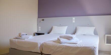 Tvårumslägenhet på hotell Kiwi i Agii Apostoli på Kreta, Grekland