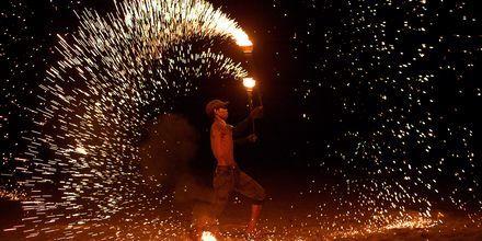 Eldshow på Koh Lanta i Thailand.