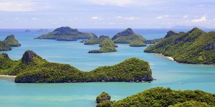 Angthong National Marine Park består av öar med grottor och laguner.