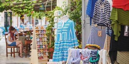 Shopping i Kokkari på Samos, Grekland.