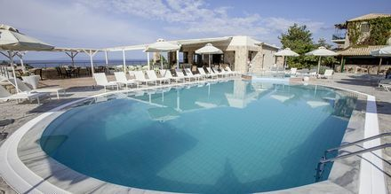 Poolområde på Kolokotronis Hotel & Spa i Stoupa, Grekland.