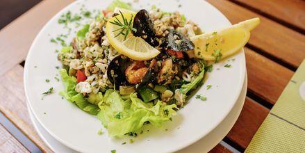 Mat med havstema på Korcula i Kroatien.