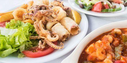 Bläckfisk är ett måste att provsmaka under semestern i Grekland.