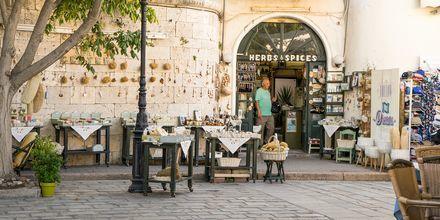 Den gamla delen av Kos stad är en charmig plats att äta middag på.