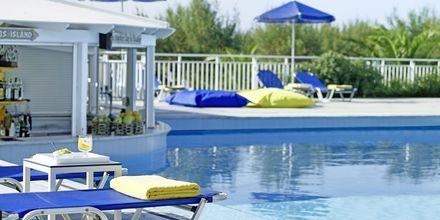 Pool på hotell Kouros Seasight i Pythagorion på Samos, Grekland.