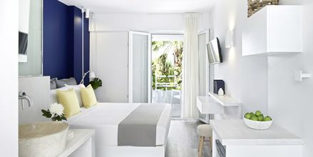 Renoverat dubbelrum på hotell Kouros Seasight i Pythagorion på Samos.