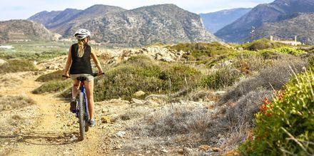 Kretas inland är vackert och kuperat vilket gör att det är ett populärt utflyktsmål bland cyklister.