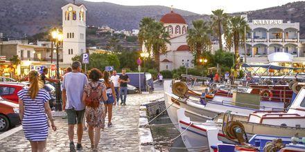 Hamnpromenaden i Elounda på Kreta.