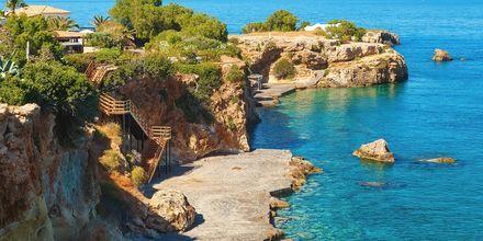 Kristallklart vatten i Kretas huvudstad Heraklion.