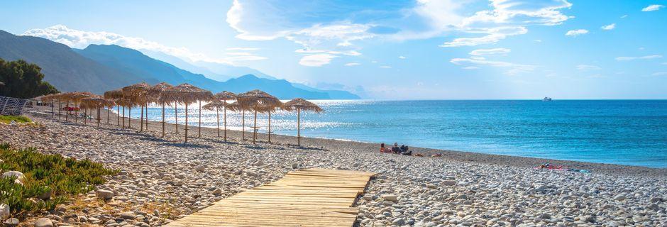 Vacker strand i orten Paleochora på Kreta, Grekland.