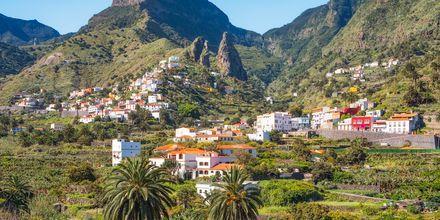 Roques de San Pedro är ett känt landmärke för den charmiga lilla byn Hermigua på La Gomera.