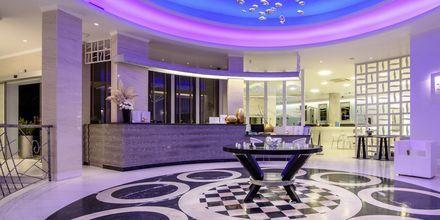Lobby på hotell La Mer på Santorini, Grekland.