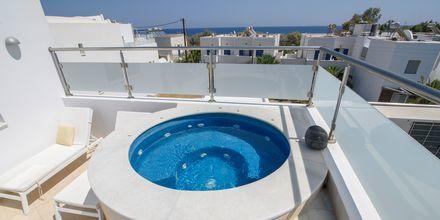 Deluxerum på hotell La Mer i Kamari på Santorini.