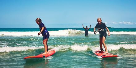 Surfskola på La Pared, för  nybörjare och medelsurfare.