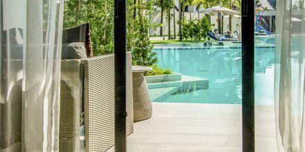 Dubbelrum med poolaccess på hotell La Vela Khao Lak, Thailand.