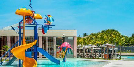 Barnpoolen på hotell La Vela Khao Lak, Thailand.